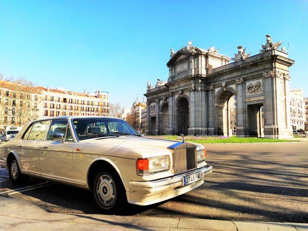 Rolls Royce Silver Tours Madrid Puerta de Alcala